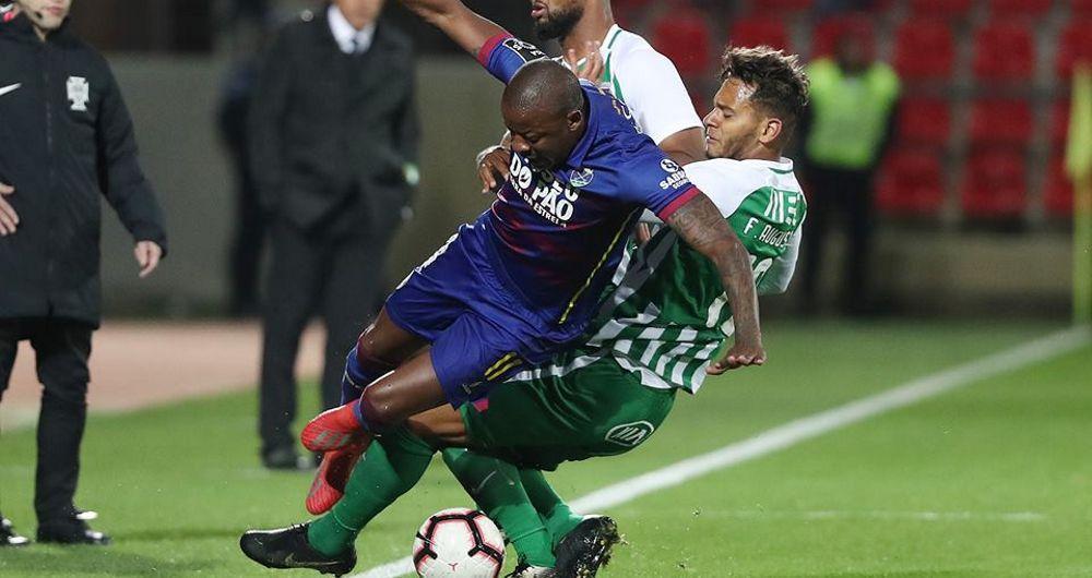 GD Chaves 1-1 Rio Ave: Duelo Fernandes vs Ramos deu em… Chicotada