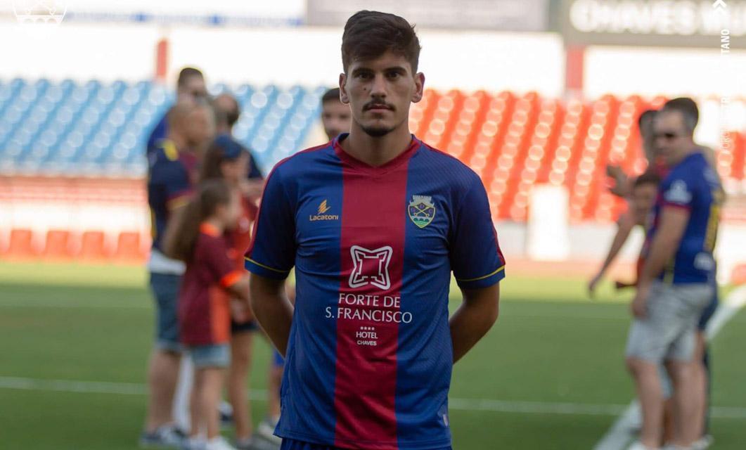 Mika Borges rescinde contrato com o GD Chaves
