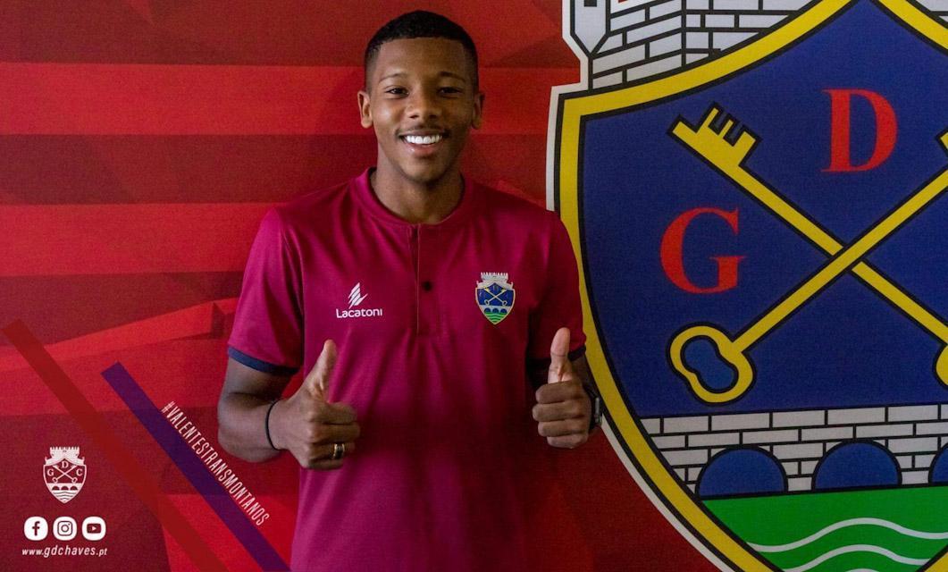 «Afilhado» de Robinho chega do Santos FC e reforça as alas do GD Chaves