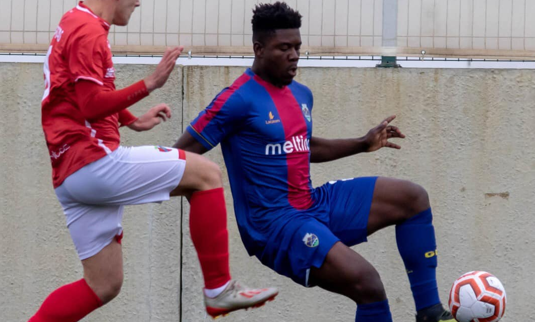 Abdul Ibrahim deixa GD Chaves e ruma aos sub-23 do Famalicão