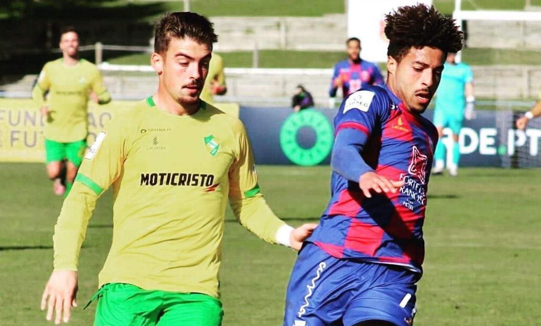 Três jogadores suspensos para a visita ao Estoril Praia