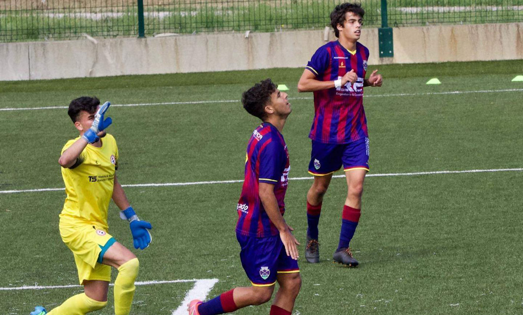 Os juvenis conquistaram um empate frente ao Vitória SC