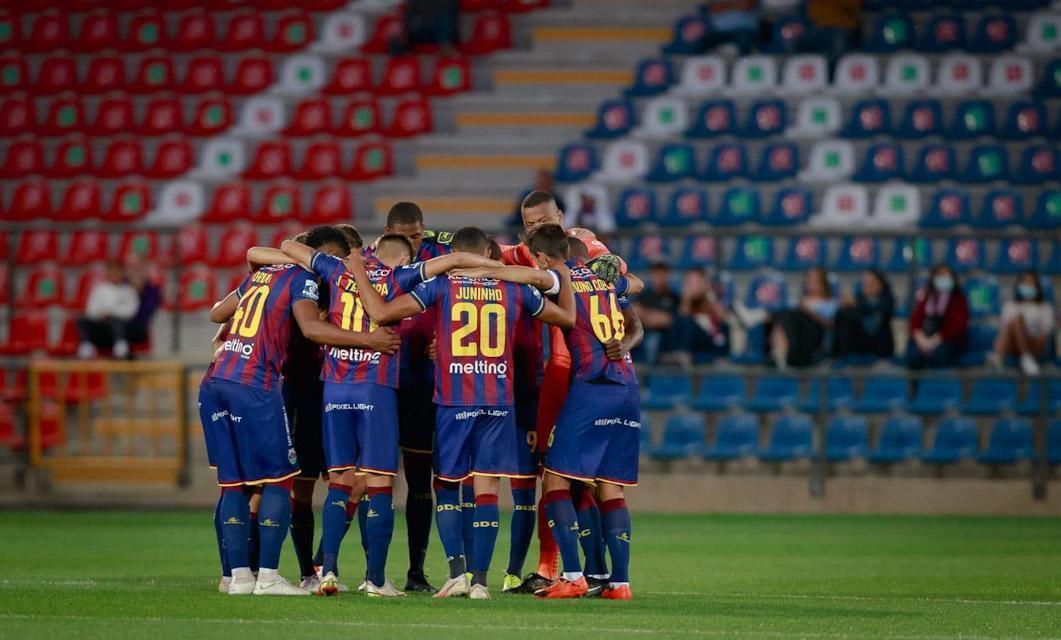 GD Chaves 3-1 Penafiel: Três pontos e um beijo para o Roberto